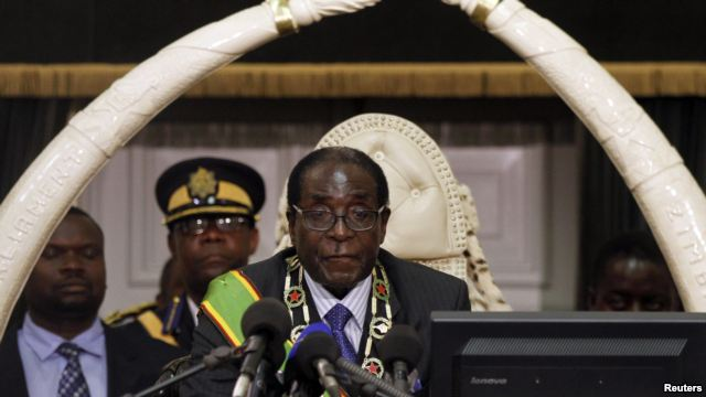Zimbabwean-President-Robert-Mugabe-opens-the-countrys-Parliament-in-Harare-October-30-2012