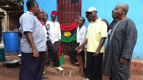 People-in-Enugu-gather-discreetly-to-sing-the-Biafran-anthem-and-raise-the-flag