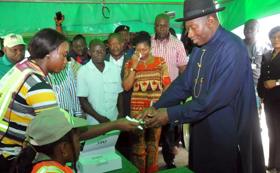 Goodluck Jonathan presents himself on March 28, 2015 in Otuoke to accredit himself and wife Patience to vote (AFP Photo/-)