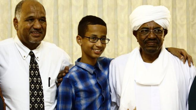 Ahmed Mohamed with his father and Sudanese President Omar al-Bashir