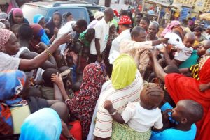 On Christmas Day 2014, GFC grantee partner CEE-HOPE distributed food to people displaced by violence in Nigeria. Photo © CEE-HOPE
