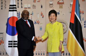 South Korean President Park Geun-hye shakes hands with Mozambique President Armando Guebuza before a summit at the presidential Blue House in Seoul on June 4, 2013. Source: Jung Yeon-Je/Getty