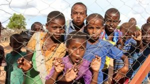 FILE - Somali youngsters are seen in Dadaab refugee camp, Dadaab, Kenya, April 24, 2015. (M. Yusuf/VOA)