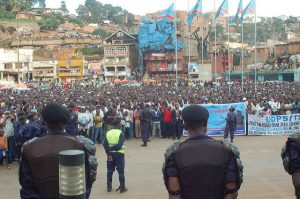 Crowds turn out to see veteran politican and opposition leader Étienne Tshisekedi in 2011. Credit: VoteTshisekedi