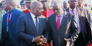 Congolese President Joseph Kabila (left) with Tanzania's President John Magufuli in Dar es Salaam