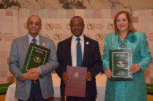 (L-R) Hon Seetanah Lutchmeenaraidoo, HE Mr Erastus Mwencha and Dr Amany Asfour.