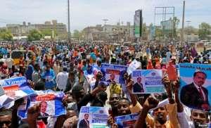 Civilians celebrate the election of President Mohamed Abdullahi Mohamed in the streets of Somalia's capital Mogadishu, Feb. 9, 2017