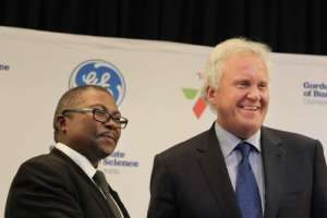 Transnet CEO Siyabonga Gama (left) and GE Global CEO Jeff Immelt in Johannesburg, South Africa. Photo: Courtesy GE