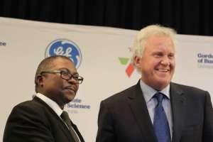 Transnet CEO Siyabonga Gama (left) and GE Global CEO Jeff Immelt in Johannesburg, South Africa. Photo: Courtesy GE