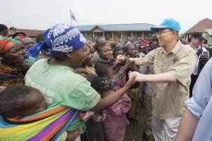 Secretary-General Ban Ki-moon visiting an IDP camp in Kitchanga, North Kivu, Democratic Republic of the Congo (DRC). UN Photo/Eskinder Debebe
