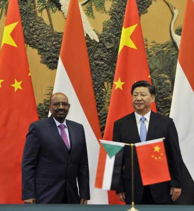 Sudanese President Omar al-Bashir (L) attends a signing ceremony with Chinese President Xi Jinxing at the Great Hall of the People in Beijing, China (September 1, 2015). Image Credit: REUTERS/ Parker Song