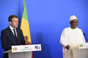 French President Emmanuel Macron with Mali's President Ibrahim Boubacar Keita. EPA/Christophe Petit Tesson