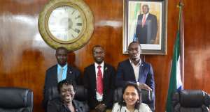 Parminder Vir OBE with TEF Entrepreneurs at the Sierra Leone meetup in the Statehouse