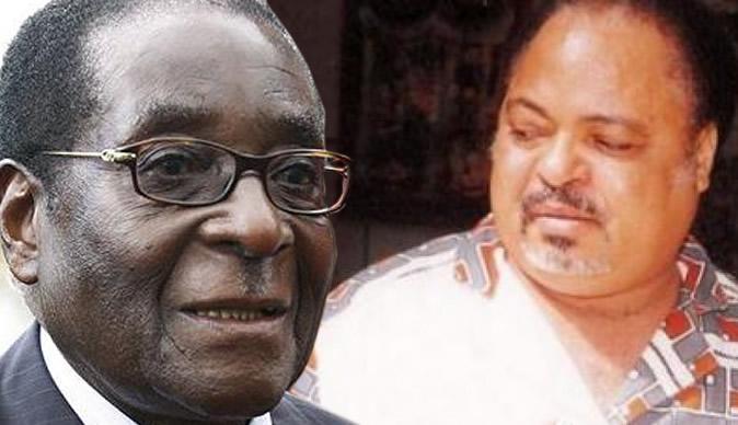 Dr Ibbo Mandaza,right