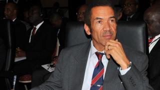 Ian Khama says that US policy is encouraging poaching of endangered animals