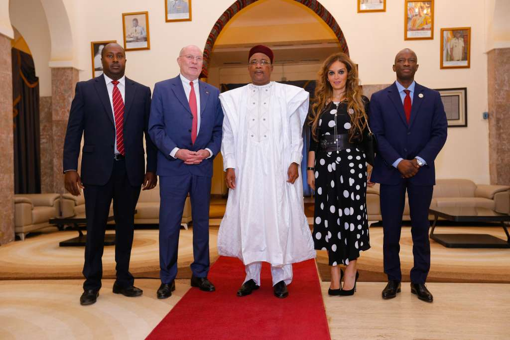 Merck Foundation met the President of Niger H.E. Mahamadou Issoufou to discuss and underscore our long-term commitment to healthcare capacity building, and empowering women and youth in Niger through our impactful programs; Merck Cancer Access Program and Merck More Than a Mother in partnership with the First Lady of Niger H.E. Mrs. Aissata Issoufou Mahamadou