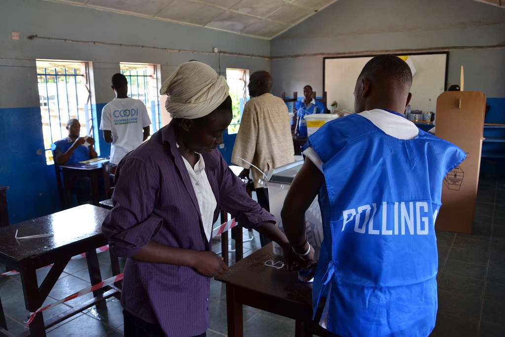 A voter at the polling booth in Sierra Leone's 2012 elections. Credit: Commonwealth Secretariat.