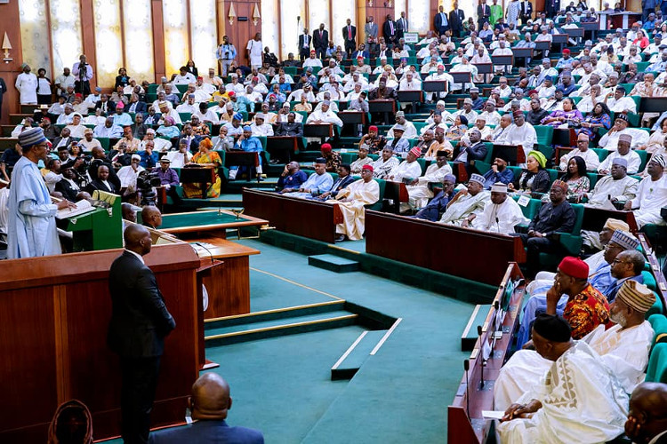 President Buhari delivering his budget speech before the joint session of the National Assembly.