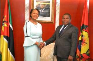 CCA President and CEO, Florizelle Liser at a meeting with H.E. Filipe Nyusi, President of the Republic of Mozambique.
