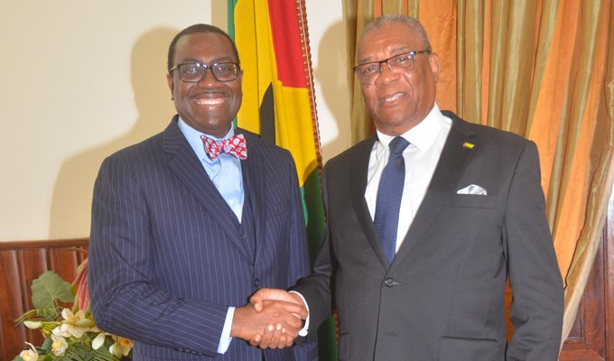 African Development Bank President, Akinwumi Adesina, met with São Tomé and Príncipe President Evaristo Carvalho on Wednesday, just as the Bank's Board of Directors in Abidjan approved the island nation's new Country Strategy Paper 2018-2022.