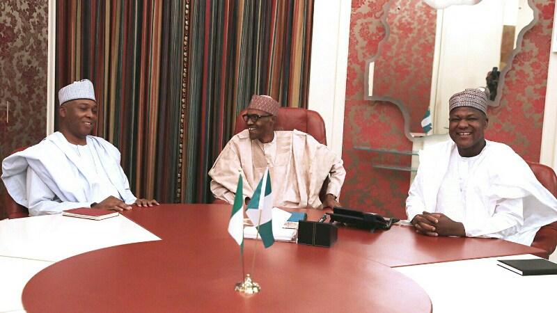 President Muhammadu Buhari (Middle) with Senate President, Bukola Saraki (left) and Speaker, House of Representatives, Yakubu Dogara (right)