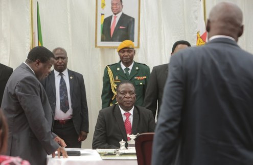 President Emmerson Mnangagwa swears in first post-Mugabe Cabinet.Photo: New Zimbabwe
