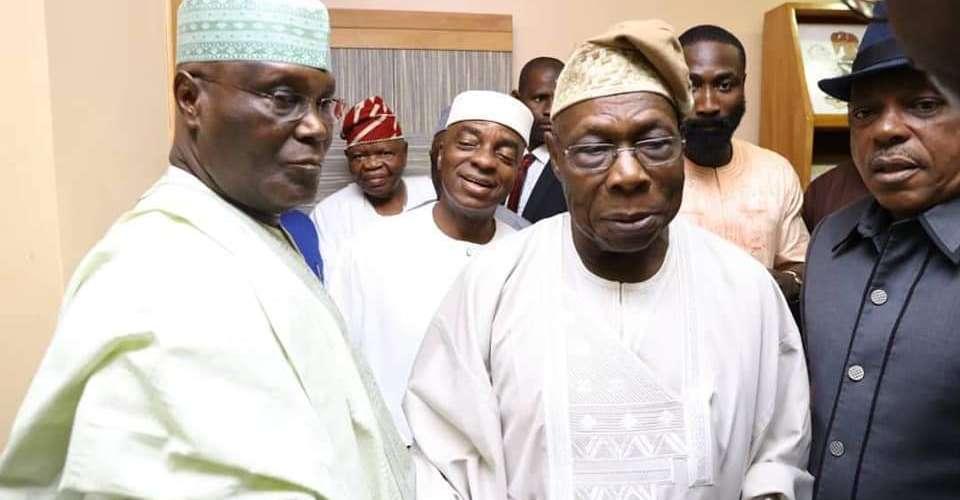 Atiku Abubakar and his entourage at Obasanjo's abode in Otta [Photo: @SaharaReporters]