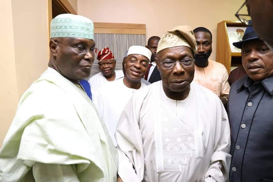 Atiku Abubakar and his entourage at Obasanjo's abode in Otta [Photo: @SaharaReporters]