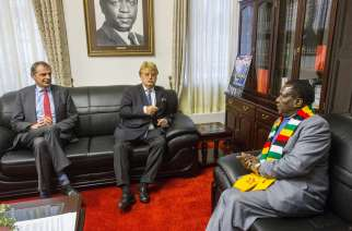 President Mnangagawa with EU delegation ahead of the last elections in Zimbawe