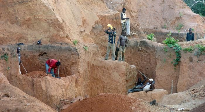 Mozambique: Informal mine collapse kills at least 10 ruby miners