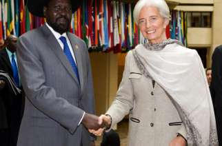 File: President Salva Kiir shakes hands with IMF Managing Director Christine Lagarde at IMF Headquarters.