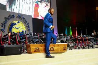 "Pastor Alph Lukau's church has been called out for performing fake ""miracles"".  Image: Alph Lukau/Facebook"