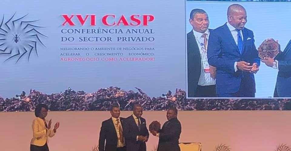 Mozambique: President Nyusi receives Formiga award