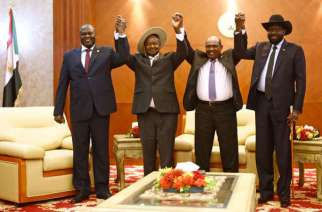 From left to right, South Sudan's opposition leader Riek Machar, Ugandan President Yoweri Museveni, Sudanese President Omar al-Bashir and South Sudanese President Salva Kiir, pose for a group picture before their meeting in Khartoum on June 25, 2018. PHOTO | ASHRAF SHAZLY | AFP