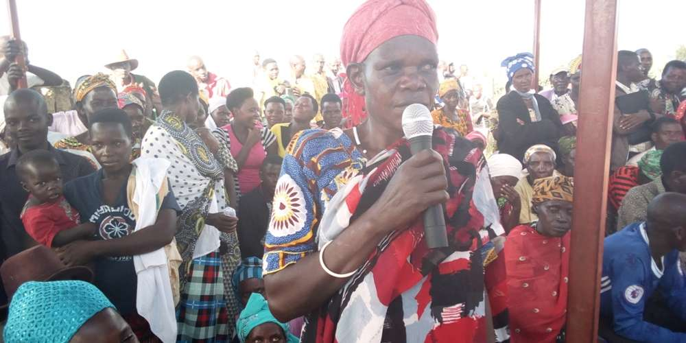 A resident makes an intervention during the community debate on Tuesday in the Eastern Rwanda's Gatsibo District, Gitoki Sector. (Photo Mugabo) (1)