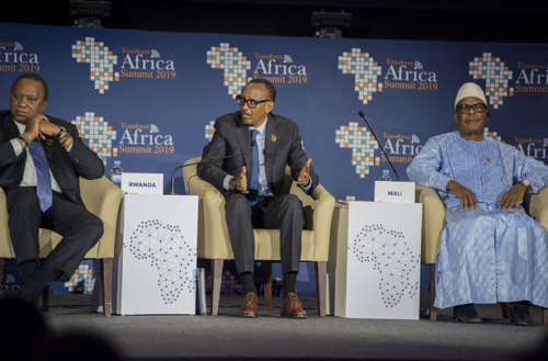Photo: Uhuru Kenyatta, Paul Kagame, Boubacar Keita ( Mali)