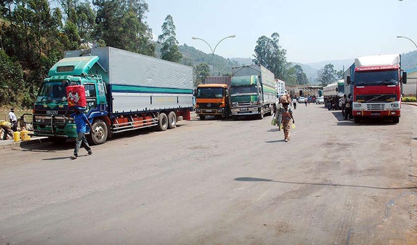 Trucks at Gatuna border
