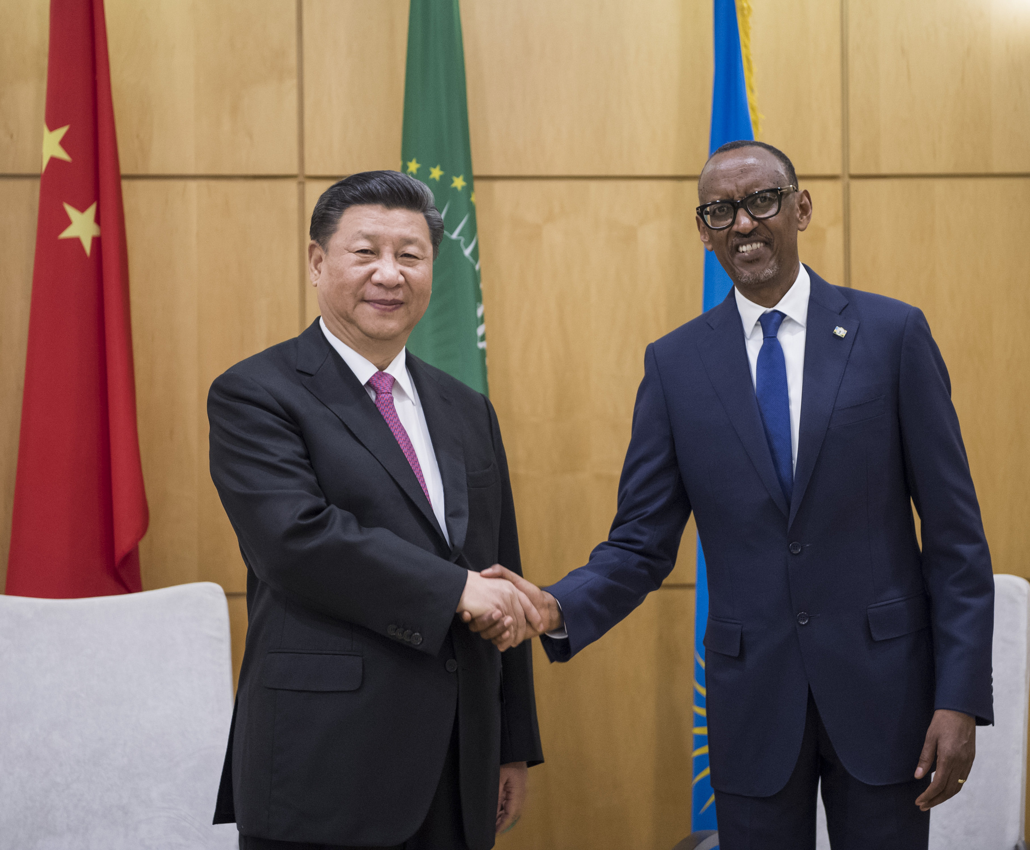 President Kagame (right) welcoming president Jinping during his visit in Rwanda in July 2018