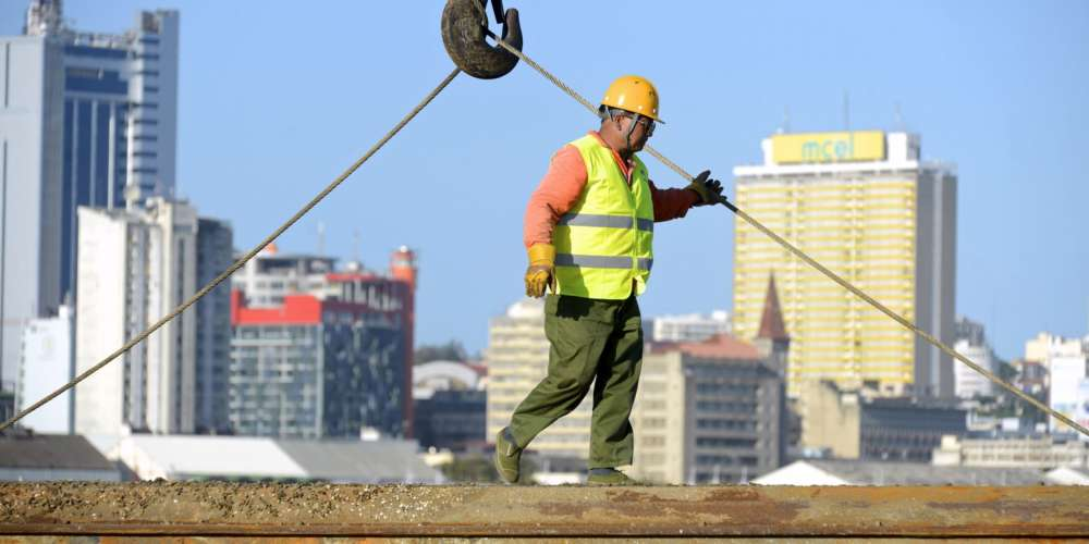 Mozambique expels more than 20 Chinese workers